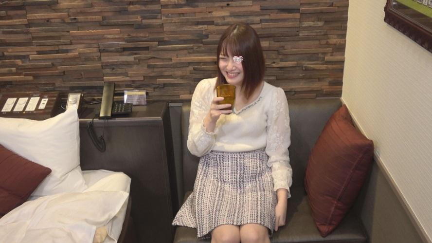 FC2 PPV 1620345 【個人撮影】【無】お嬢様系で美人なゆずちゃん!パイパンで笑顔が可愛い!